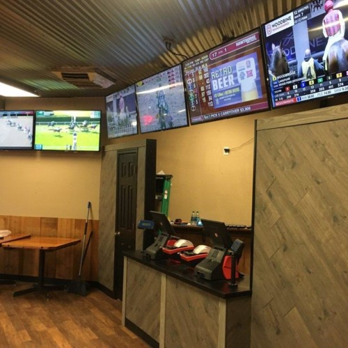 Gallagher's Dining & Pub | Off-Track Betting | Arizona Downs Racetrack